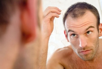 Orsaker till håravfall hos kvinnor och män