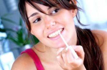 Allt om att bleka tänderna hemma på egen hand