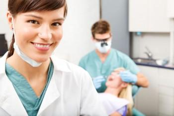 Så går en behandling med tandfasader till