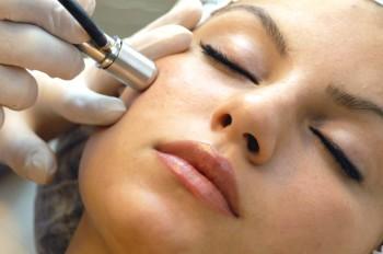 Microdermabrasion är en form av hudslipning